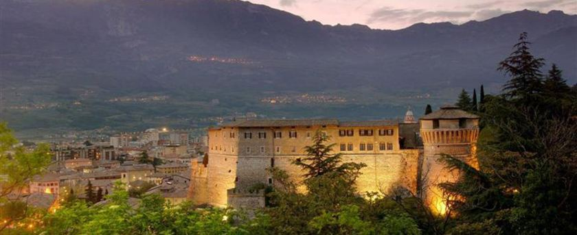 castello-rovereto_background